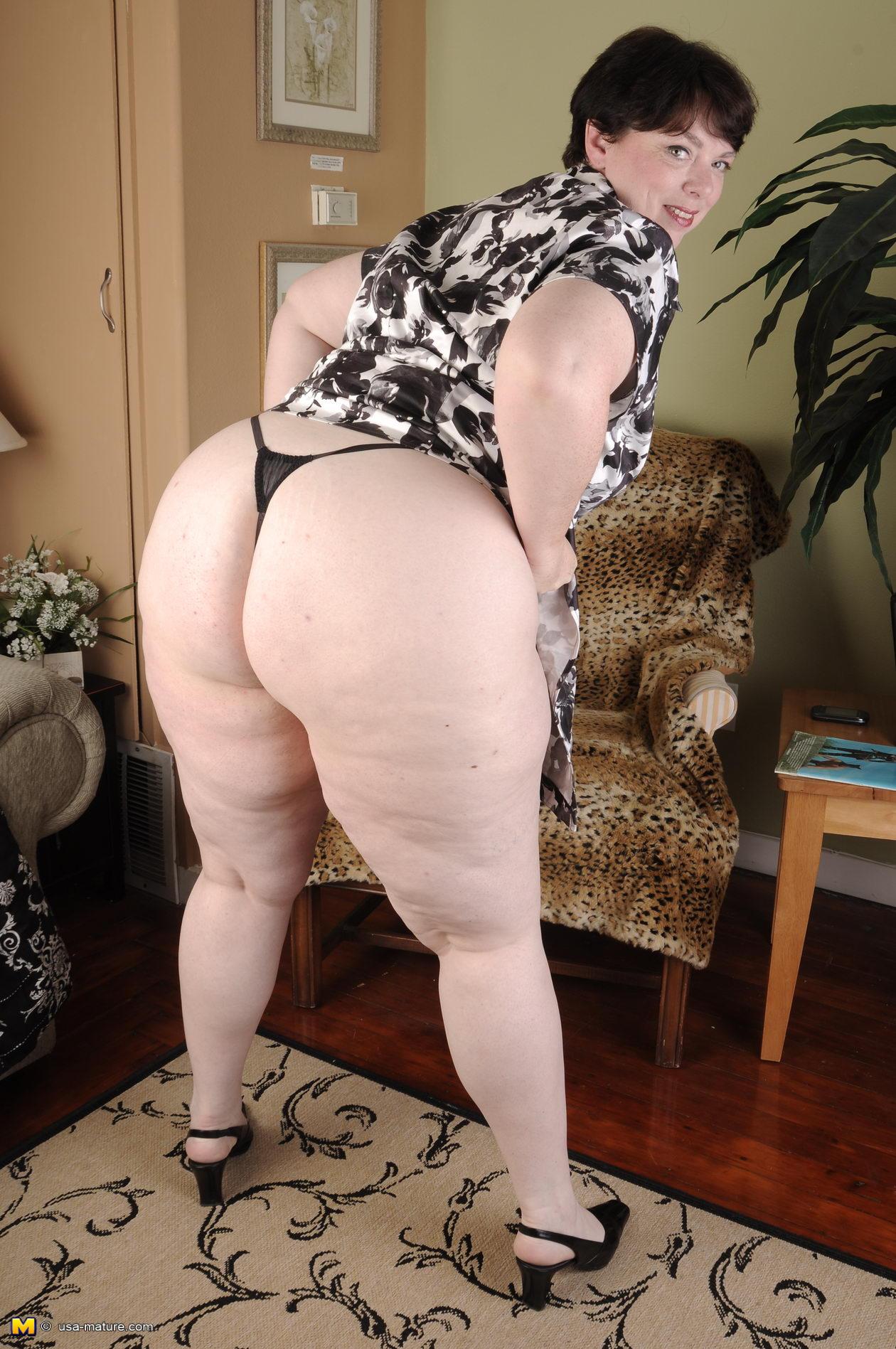 Толстые жопы в платье 6 фотография