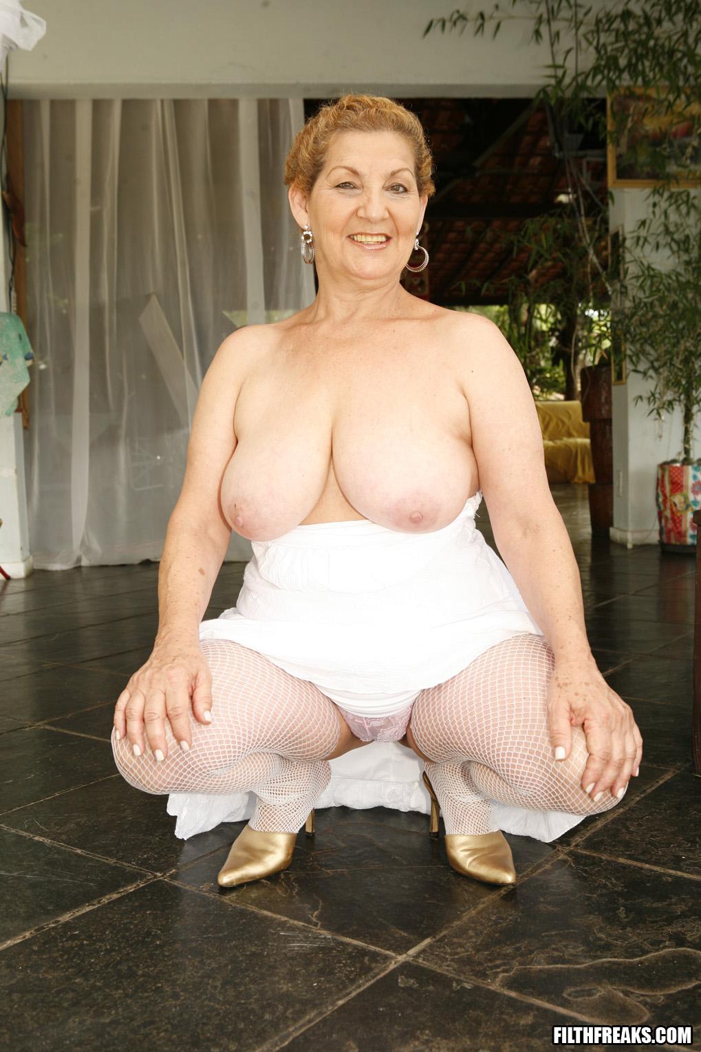 Бабушки эротические фото